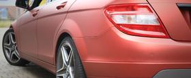 Fahrzeugfolierung Mercedes C-Klasse in Red Aluminium Bremen
